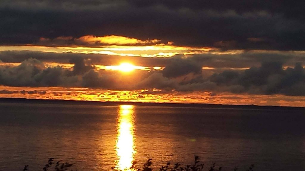 a-beautiful-sunset-over-the-turnagain-arm-and-cook-inlet-caps-off-a-outstanding-day-of-fishing
