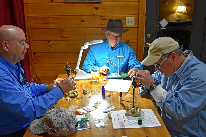 evening-fly-tying-taylor-laksbergs-700